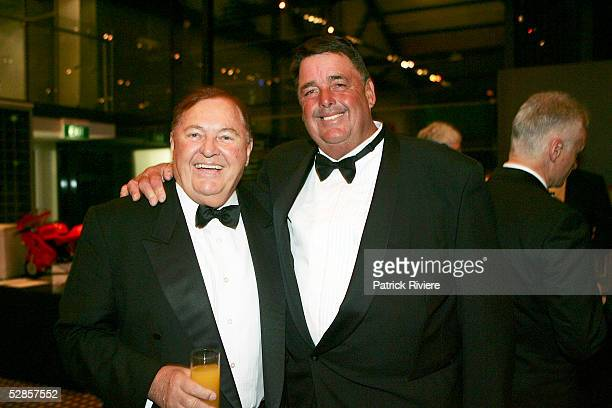 Australian Businessman Alan Bond and US sailor Dennis Conner attend the fundraising charity event 'A Night of Pearl and Plonk at the Doltone House on...