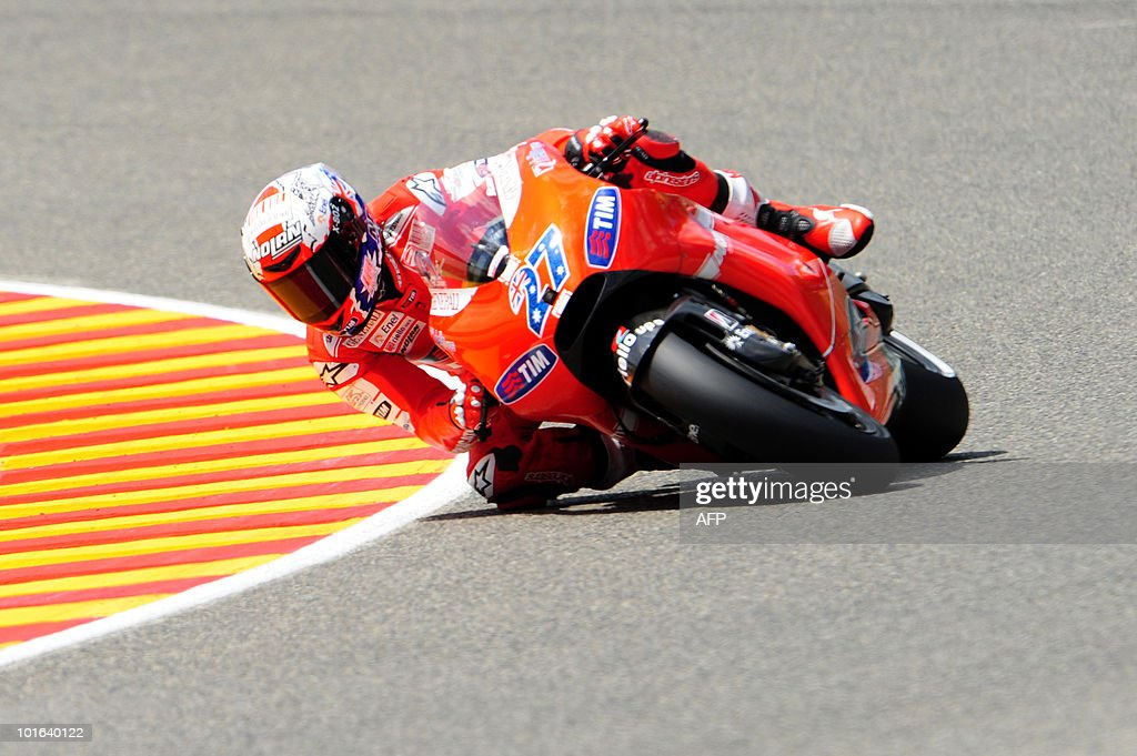 Australian Casey Stoner of Ducati team takes a bend in the MotoGP qualification practice of the Italian Grand Prix at Mugello track on June 05, 2010. Spaniard Dani Pedrosa of Respol Honda team took the best position ahead of Spanish Jorge Lorenzo of Yamaha and Australian Casey Stoner of Ducati team.