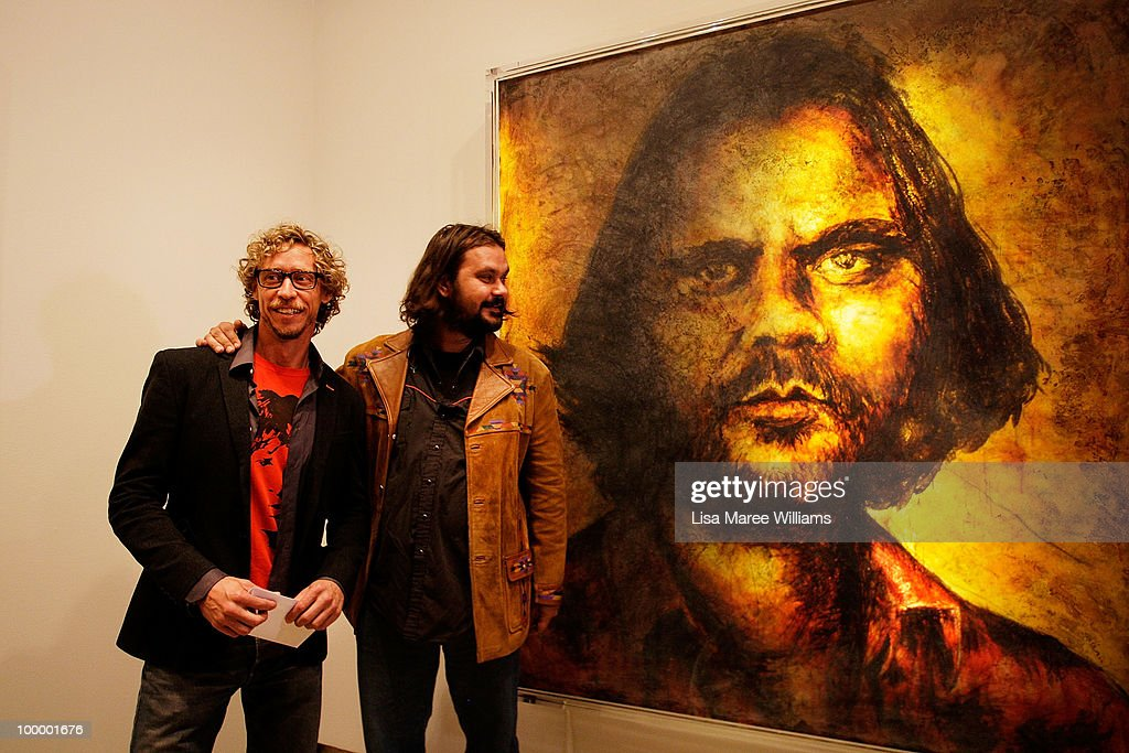 Australian director Warwick Thornton stands with Sydney artist Craig Ruddy after being announced winner of the Archibald People's Choice Prize at the Art Gallery Of NSW on May 20, 2010 in Sydney, Australia. The award, an additional category of the Archibald Prize, was voted by the viewing public and comes with a monetary prize of AUD