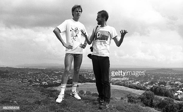 Australian distance runner Steve Moneghetti poses with coach Chris Wardlaw during a training session in Auckland in preparation for the World Cross...