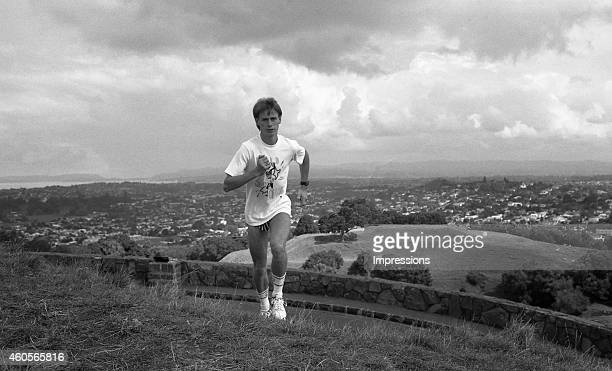 Australian distance runner Steve Moneghetti runs during a training session in Auckland in preparation for the World Cross Country Championships
