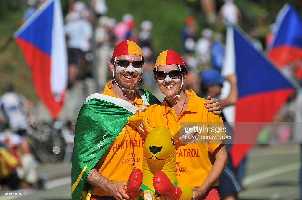 Australian fans pose on July 19, 2009 during the 207,5 km and fifteenth stage of the 2009 Tour de France cycling race run between Pontarlier and Verbier (Switzerland). 2007 Tour de France winner and Kazakh cycling team Astana (AST)'s leader Alberto Contador of Spain won ahead of Danish cycling team Team Saxo Bank (SAX)'s leader Andy Schleck of Luxemburg and Italian cycling team Liquigas (LIQ)'s Vincenzo Nibali of Italy.