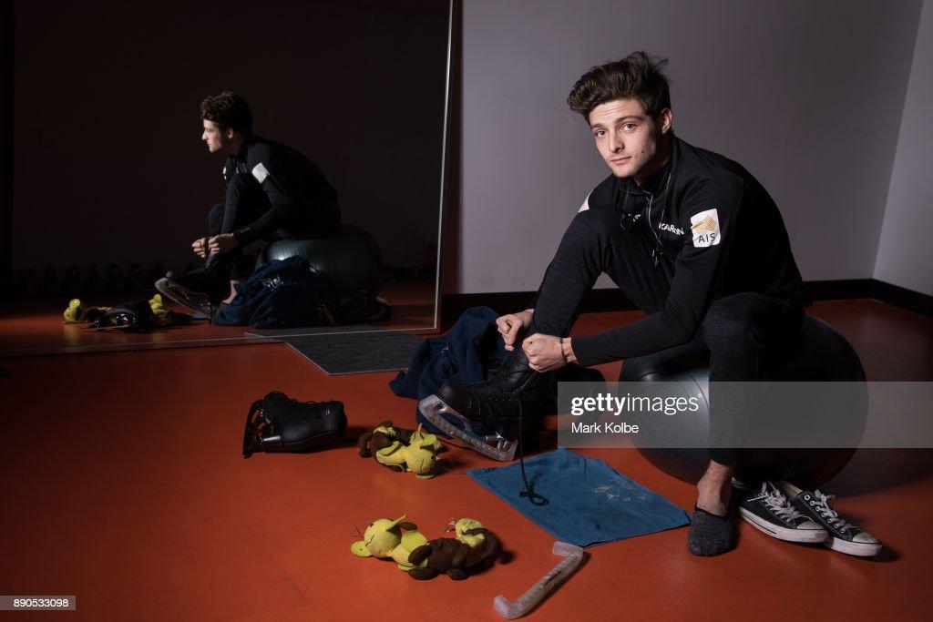Зеленый континент - Австралия - Страница 4 Australian-figure-skater-brendan-kerry-poses-during-a-portrait-at-picture-id890533098