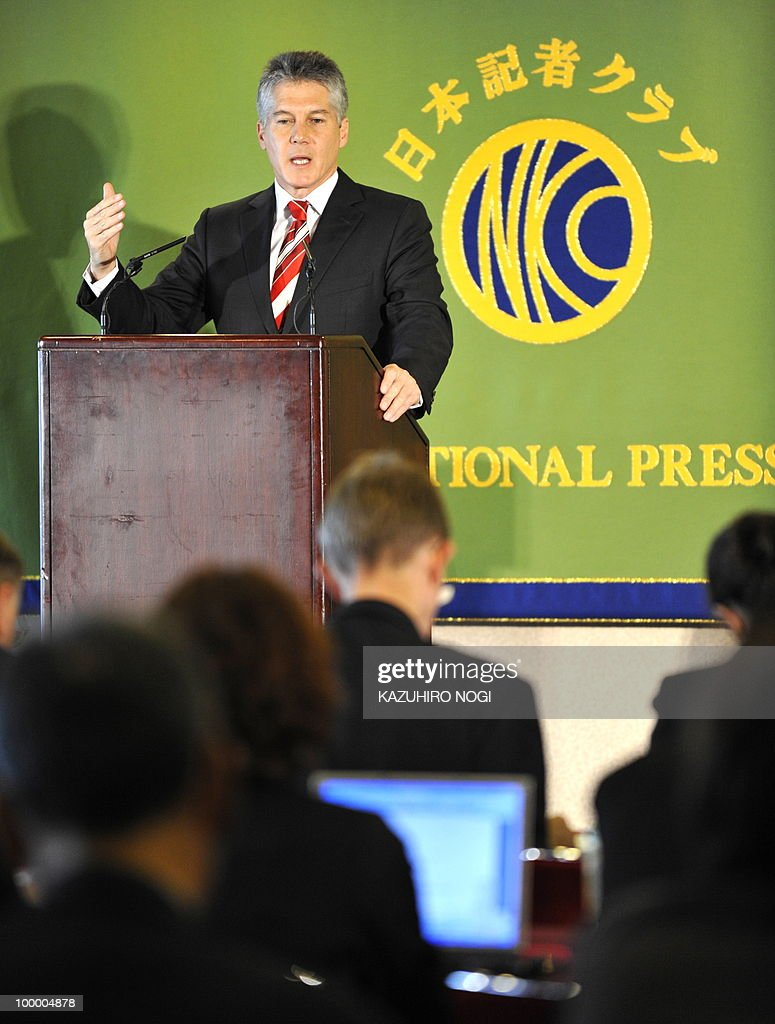 Australian Foreign Minister Stephen Smith answers questions during a press conference at the Japan National Press Club in Tokyo on May 20, 2010, a day after signing a security cooperation agreement with Japan and amid a dispute over whaling. AFP PHOTO/Kazuhiro NOGI