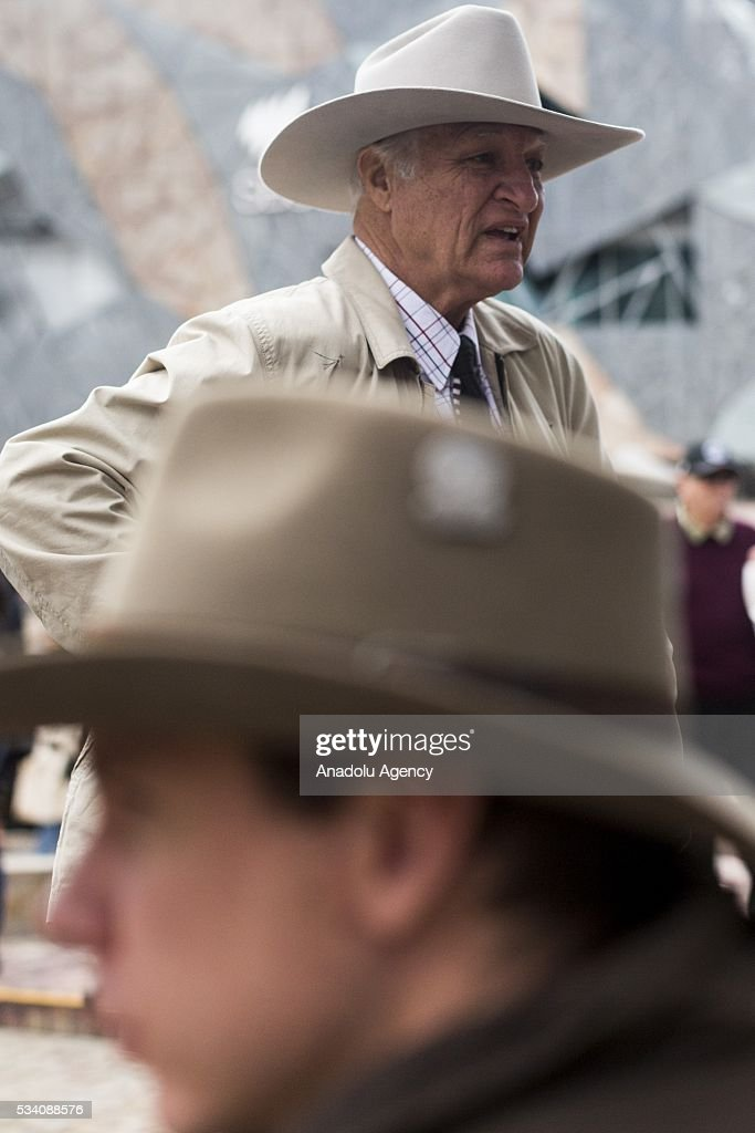 Australian parliamentarian Bob Katter speaks to farmers during a protest demanding Australian government to solve the dairy crisis in Melbourne, Australia on May 25, 2016.