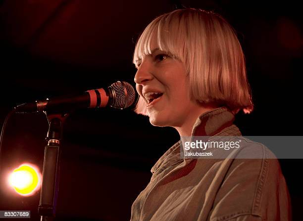 Australian pop singer Sia performs live during a concert at the Roter Salon on October 16 2008 in Berlin Germany The concert is part of the 2008 tour