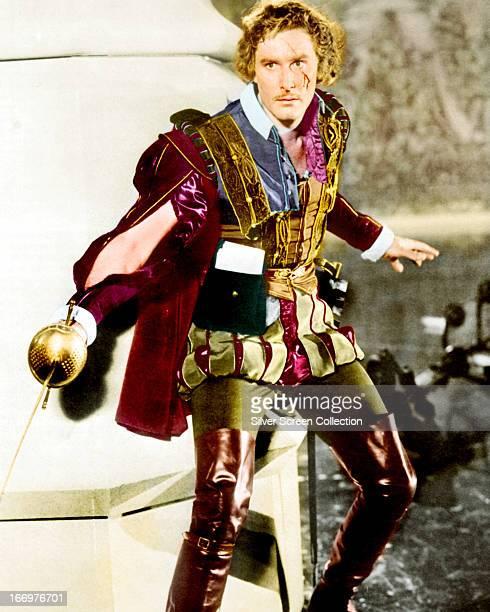 Australianborn American actor Errol Flynn as Geoffrey Thorpe in a publicity still for 'The Sea Hawk' directed by Michael Curtiz 1940
