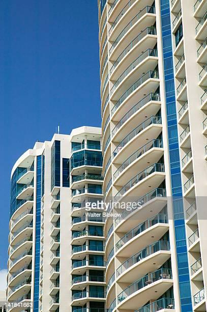 AUSTRALIA-Queensland-Brisbane: Kangaroo Point / Riverside Apartment Highrise