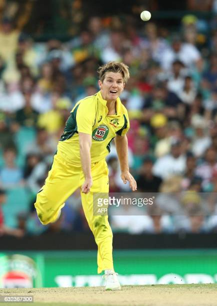 Australia's Adam Zampa bowls during the fourth oneday international cricket match between Australia and Pakistan in Sydney on January 22 2017 / AFP /...