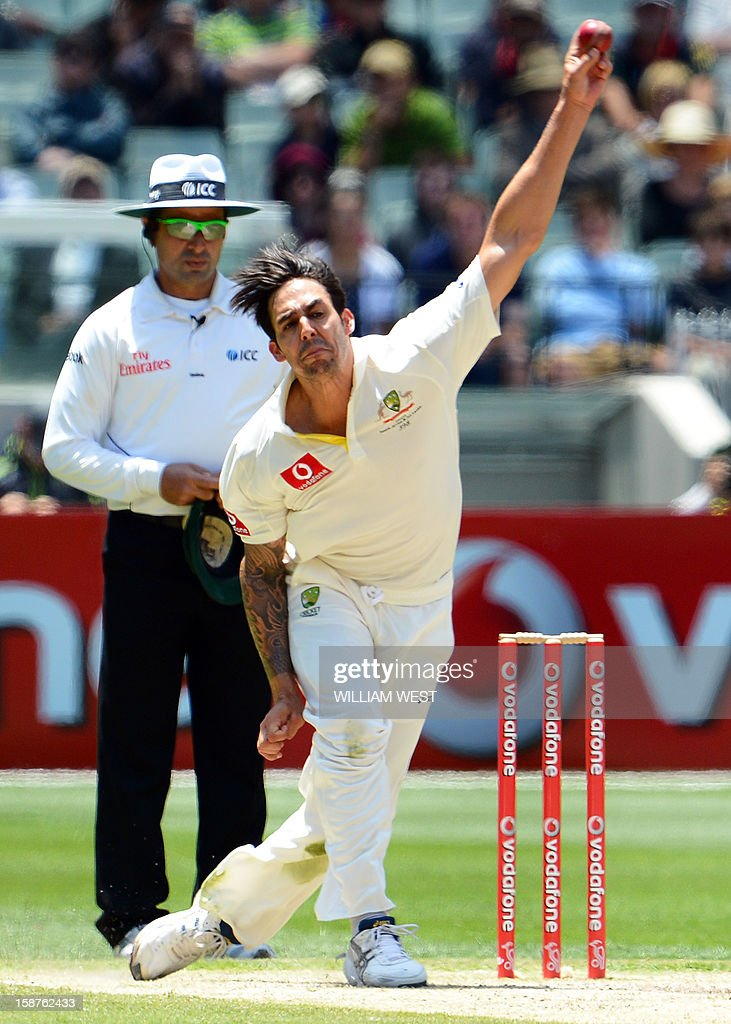 Australia's fast bowler Mitchell Johnson sends down a delivery against Sri Lanka on the third day of the second cricket Test match at the Melbourne Cricket Ground (MCG) on December 28, 2012. AFP PHOTO/William WEST USE