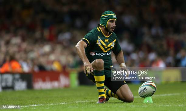 Australia's Johnathan Thurston lines up a kick at goal