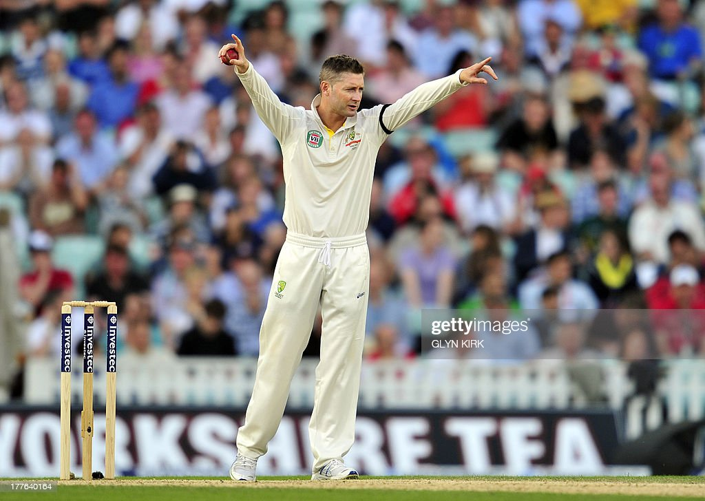 Australia's Michael Clarke gestures during play on the fifth day of the fifth Ashes cricket test match between England and Australia at The Oval cricket ground in London on August 25, 2013. England were set a target of 227 to win the fifth Ashes Test in a minimum of 44 overs after Australia declared their second innings on 111 for six at tea on the final day at The Oval on Sunday. AFP PHOTO / GLYN KIRK ECB
