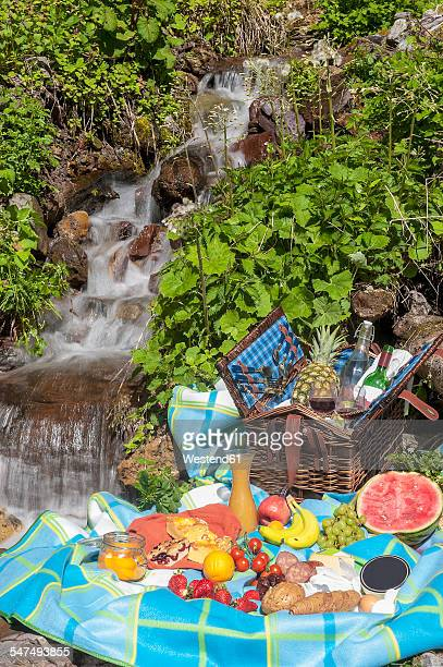 Austria, Altenmarkt-Zauchensee, picnic at spring of water
