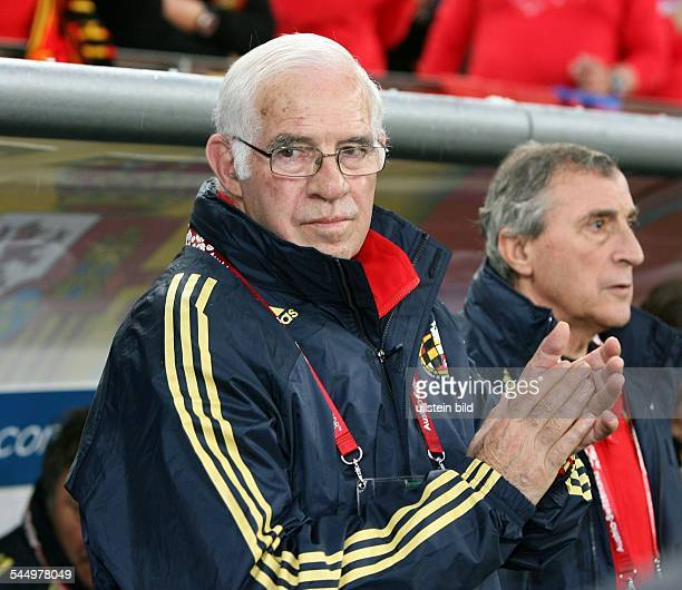UEFA EURO 2008 Group D Spain v Russia 41 national team coach Luis Aragones of Spain