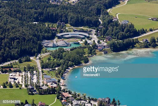 austria salzburg state salzkammergut fuschl am see view to seaside resort and red bull headquarter at lake fuschlsee austria view red bull