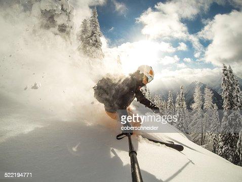 Austria, Salzburg, Zauchnsee, Person skiing in mountains