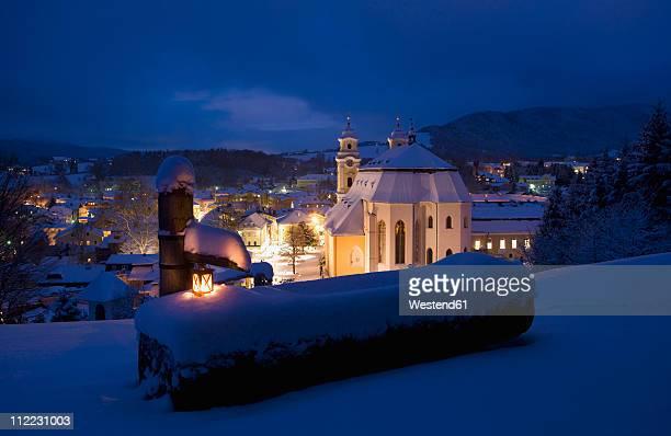 Austria, Salzkammergut, Mondsee, View of basilika heiliger michael church at night
