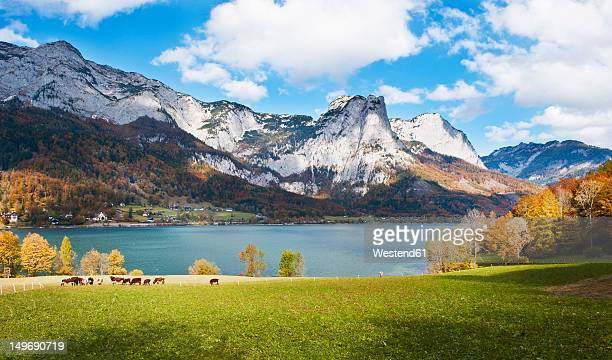Austria, Styria, View of Lake Grundlsee with mountains