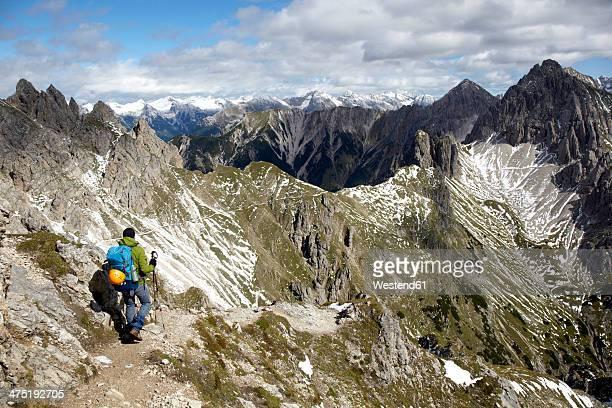 Austria, Tyrol, Karwendel mountains, Mountaineers in Alps