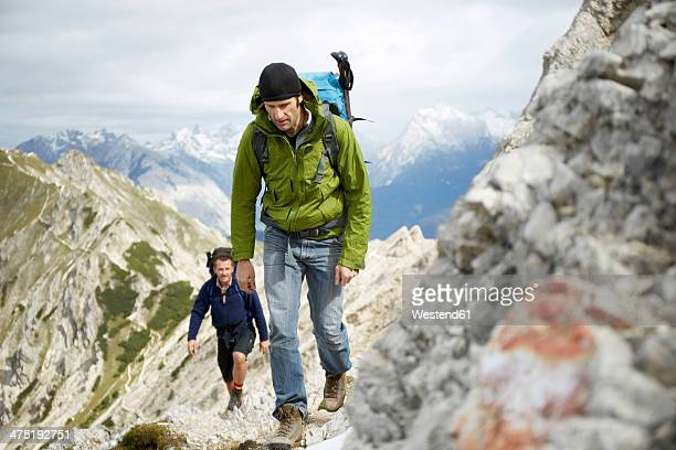 Austria, Tyrol, Karwendel mountains, Mountaineers in Alps