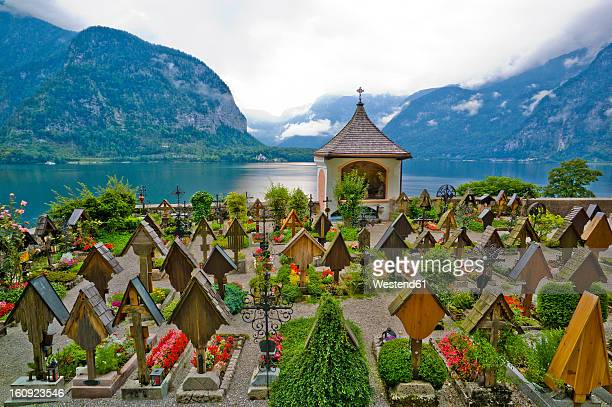 Austria, Upper Austria, Hallstatt, View of cemetry with Hallstatt Lake