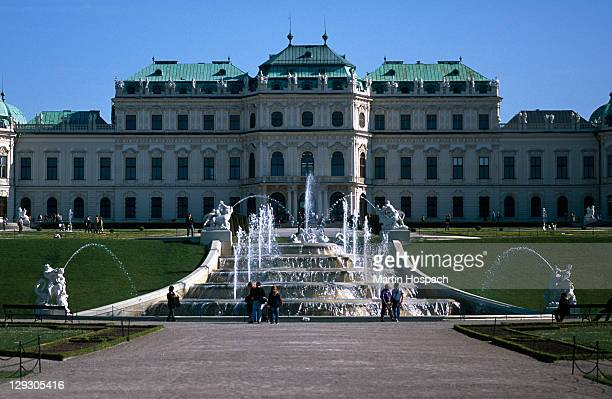 Austria, Vienna, Upper Belvedere palace and fountain