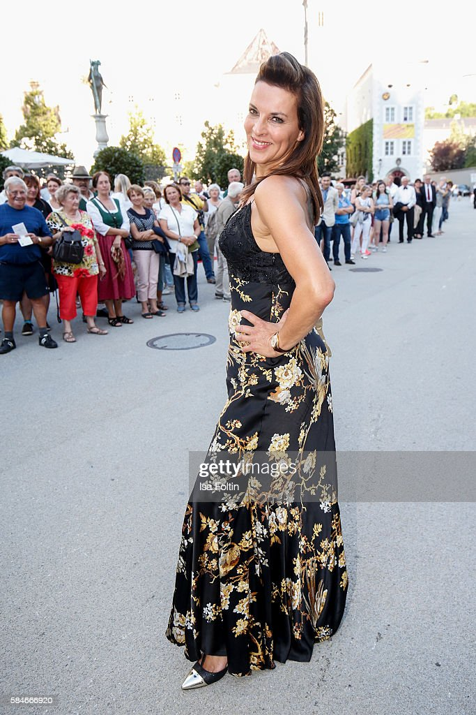Austrian actress Sabine Petzl attends the premiere of the opera 'Cosi Fan Tutte' on July 29 2016 in Salzburg Austria