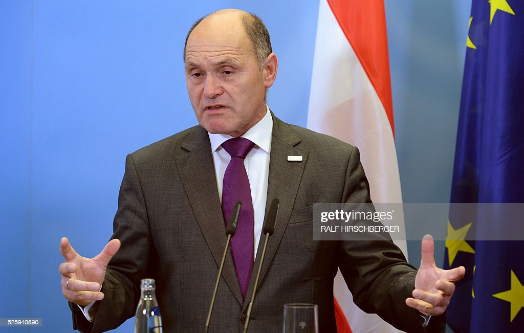 Austrian Interior Minister Wolfgang Sobotka attends a joint press conference with his German counterpart in Potsdam, eastern Germany, on April 29, 2016. / AFP / dpa / Ralf Hirschberger / Germany OUT