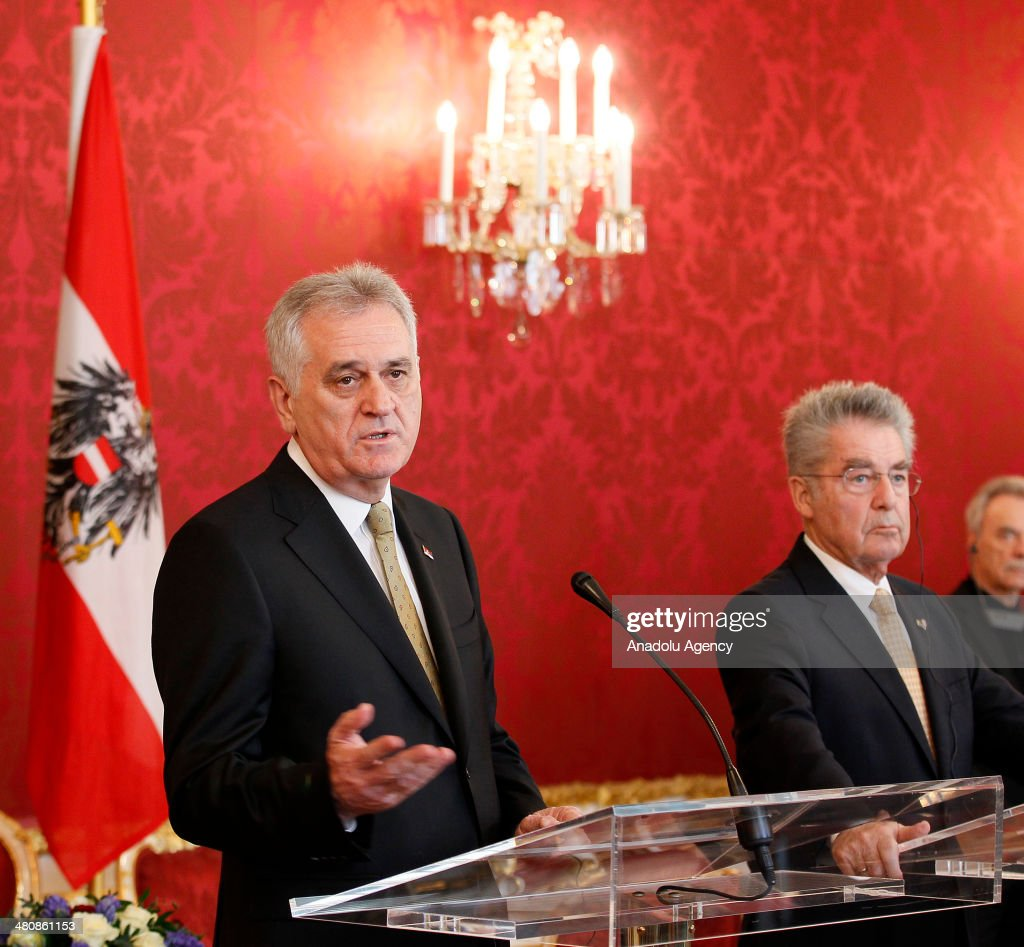 Austrian President Heinz Fischer (R) and President of Serbia Tomislov Nikolic (L) hold a press conference following their meeting in Vienna, Austria on March 27, 2014.