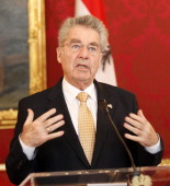 Austrian President Heinz Fischer and President of Serbia Tomislov Nikolic attend a press conference following their meeting in Vienna Austria on...