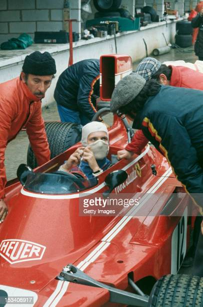 Austrian racing driver Niki Lauda chatting with his team manager and car designer Mauro Forghieri during the Race of Champions Brands Hatch 1974...
