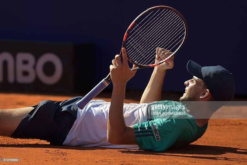Austria's Dominic Thiem reacts after defeating Spain's Nicolas Almagro 6-7, 6-3, 7-6 during the ATP Argentina Open in Buenos Aires, Argentina, on February 14, 2016. AFP PHOTO/EITAN ABRAMOVICH / AFP / EITAN ABRAMOVICH