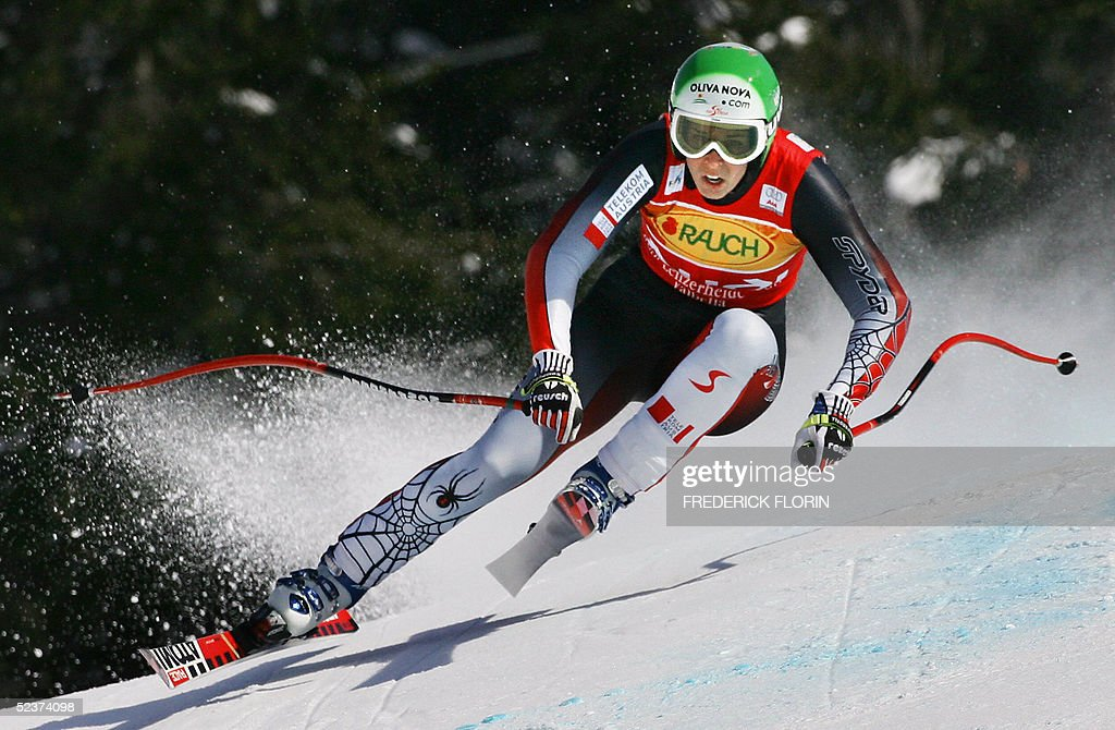 Austria's Michaela Dorfmeister competes during the Women's Ski World Cup Super G race in Lenzerheide, 11 March 2005. Dorfmeister won the race , Austria's Marlies Schild ranked second and Sweden's Anja Paerson ranked third.