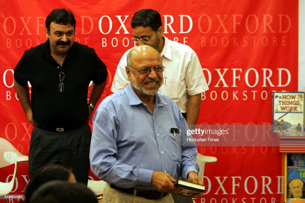 R - Author Abhijit Bhadhuri, film director Shyam Benegal and Kaushik Roy of Reliance Industries During the launch of the book 'Mediocre But Arrogant' written by Abhijit Bhadhuri At Oxford Book Store.