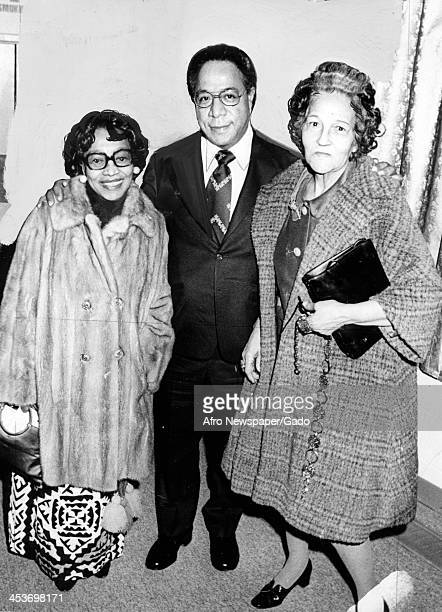 Author Alex Haley with Elizabeth Oliver of the Afro American Newspapers 1977