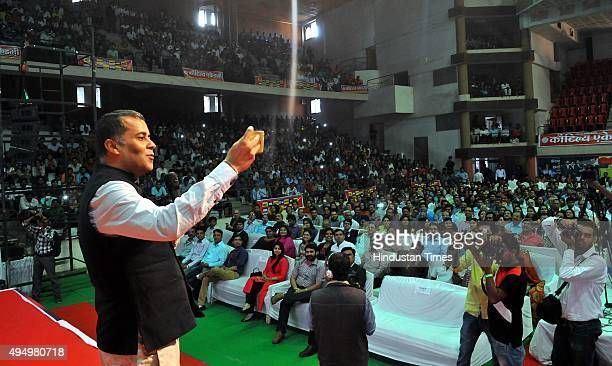 Author Chetan Bhagat at the Indore literature festival giving a motivational speech on October 30 2015 in Indore India