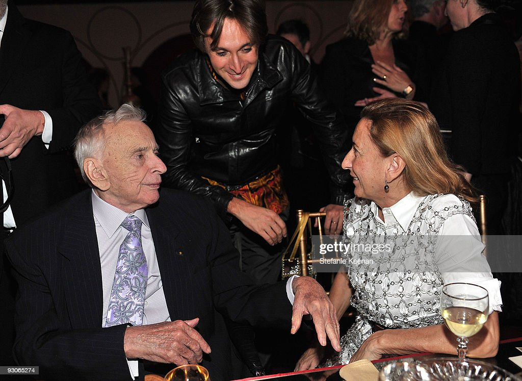 Author <a gi-track='captionPersonalityLinkClicked' href=/galleries/search?phrase=Gore+Vidal&family=editorial&specificpeople=215036 ng-click='$event.stopPropagation()'>Gore Vidal</a> (L) Designer Mucia Prada (R) and artist <a gi-track='captionPersonalityLinkClicked' href=/galleries/search?phrase=Francesco+Vezzoli&family=editorial&specificpeople=2214157 ng-click='$event.stopPropagation()'>Francesco Vezzoli</a> attend the MOCA NEW 30th anniversary gala held at MOCA on November 14, 2009 in Los Angeles, California.