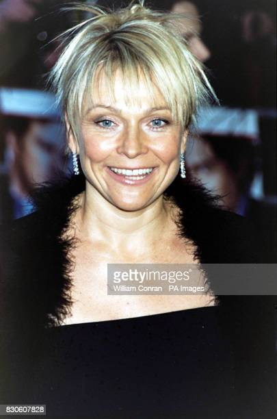 Author Helen Fielding of the film 'Bridget Jones Diary' arriving for the UK premiere at the Empire in London's Leicester Square *29/09/03 Helen...