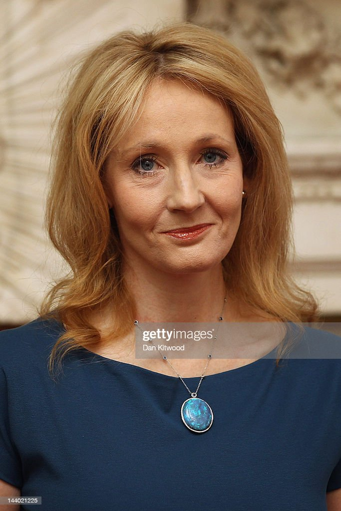 Author <a gi-track='captionPersonalityLinkClicked' href=/galleries/search?phrase=J.K.+Rowling&family=editorial&specificpeople=208768 ng-click='$event.stopPropagation()'>J.K. Rowling</a> holds a certificate after being presented with the Freedom of the City of London, at Mansion House on May 8, 2012 in London, England.