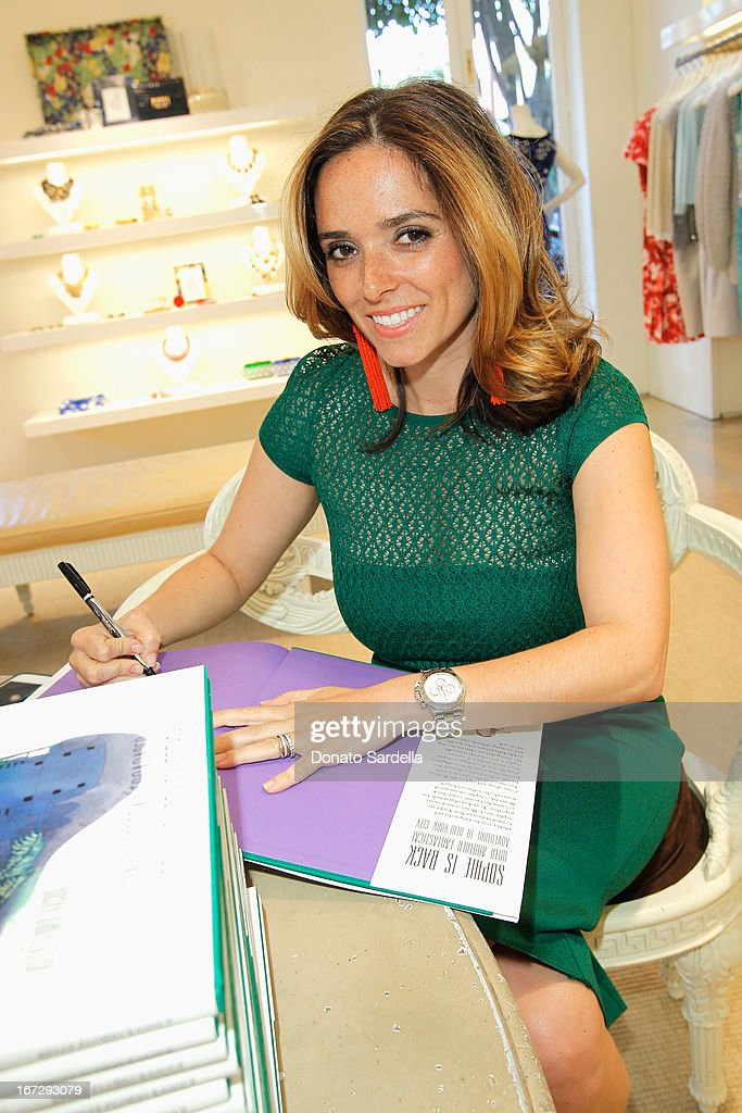 Author Kelly Florio Kasouf attends Oscar de le Renta and author Kelly Florio Kasouf invite children to shop the Spring 2013 Collections and Limited Edition 'Sophie Party Dress' at Oscar de La Renta Boutique on April 23, 2013 in West Hollywood, California.