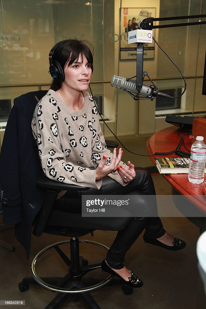 Author Kelly Oxford visits 'Dirty Pop with Lance Bass' at SiriusXM Studios on April 2, 2013 in New York City.