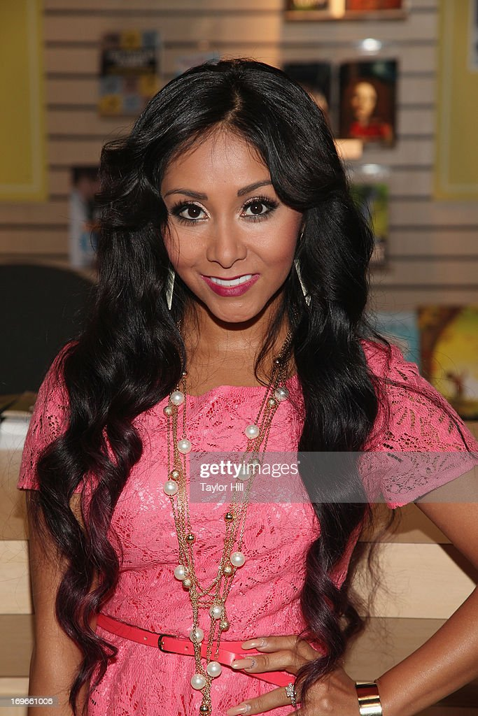 Author Nicole 'Snooki' Polizzi attends the 2013 Book Expo America on day one at Jacob Javits Center on May 30, 2013 in New York City.