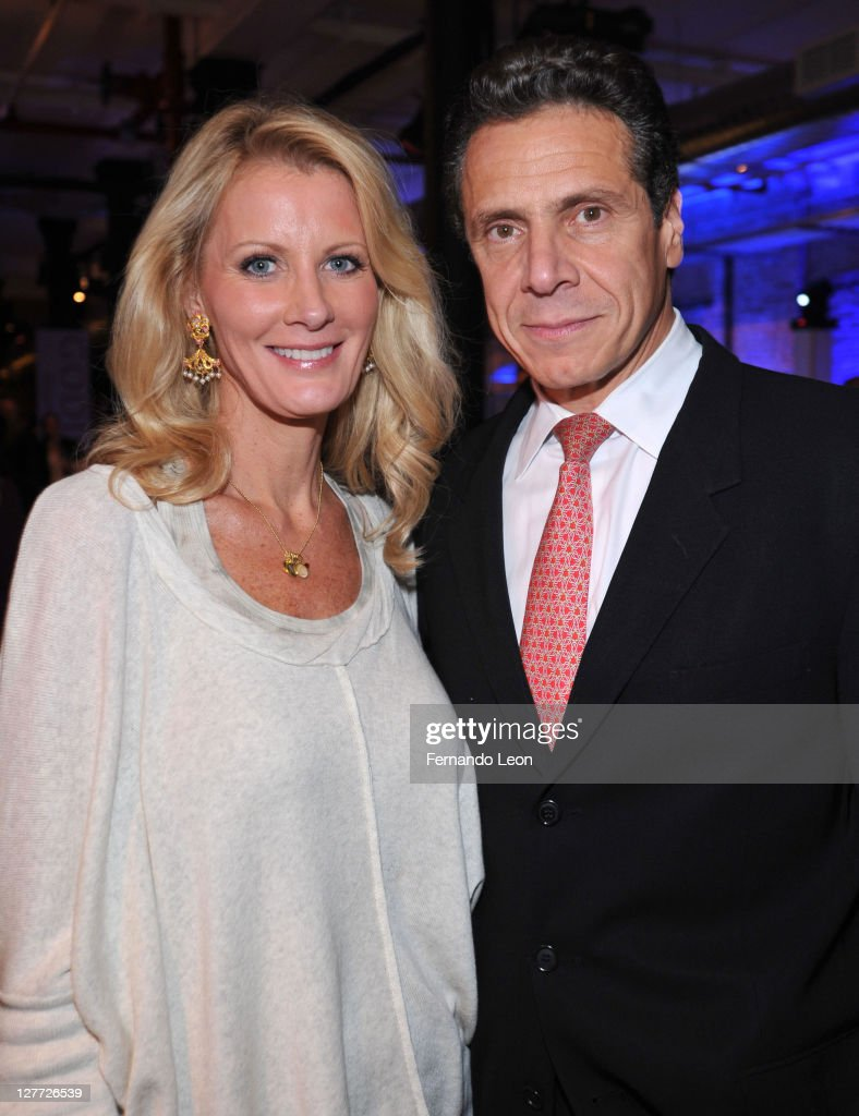 Author Sandra Lee and New York Governor Andrew Cuomo attend Diet Pepsi Spices Up NYC's Wine and Food Festival Sweet with Sandra Lee on September 30...
