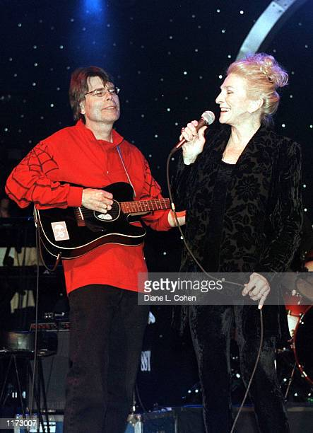 Author Stephen King and his group Rock Bottom Remainders with special guest Judy Collins perform October 30 2001 in New York City The performance...