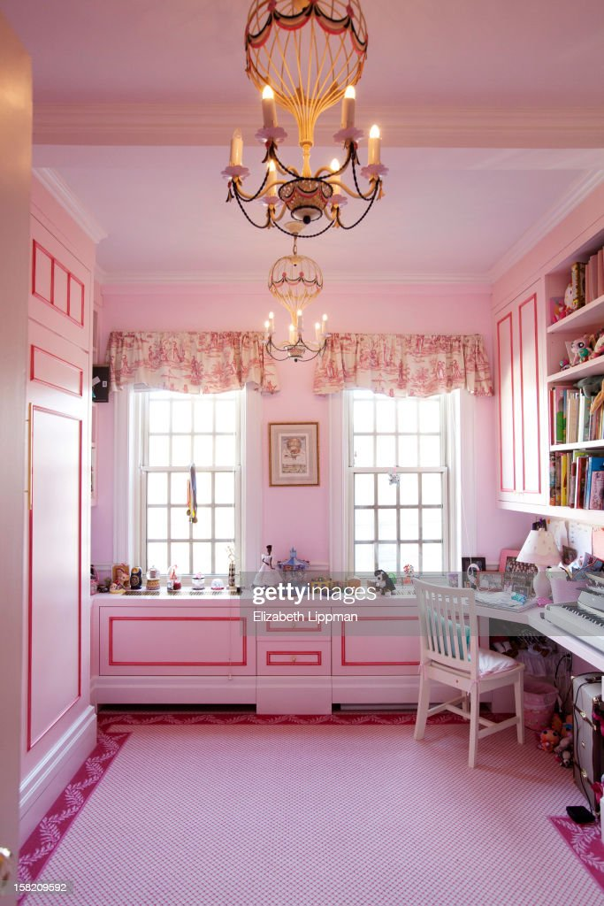 Author Susan Fales Hills Daughter Josephine Bristols Room Is Photographed For New York Post On