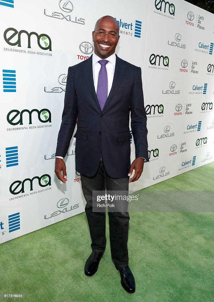 Author Van Jones attends the Environmental Media Association 26th Annual EMA Awards Presented By Toyota, Lexus And Calvert at Warner Bros. Studios on October 22, 2016 in Burbank, California.