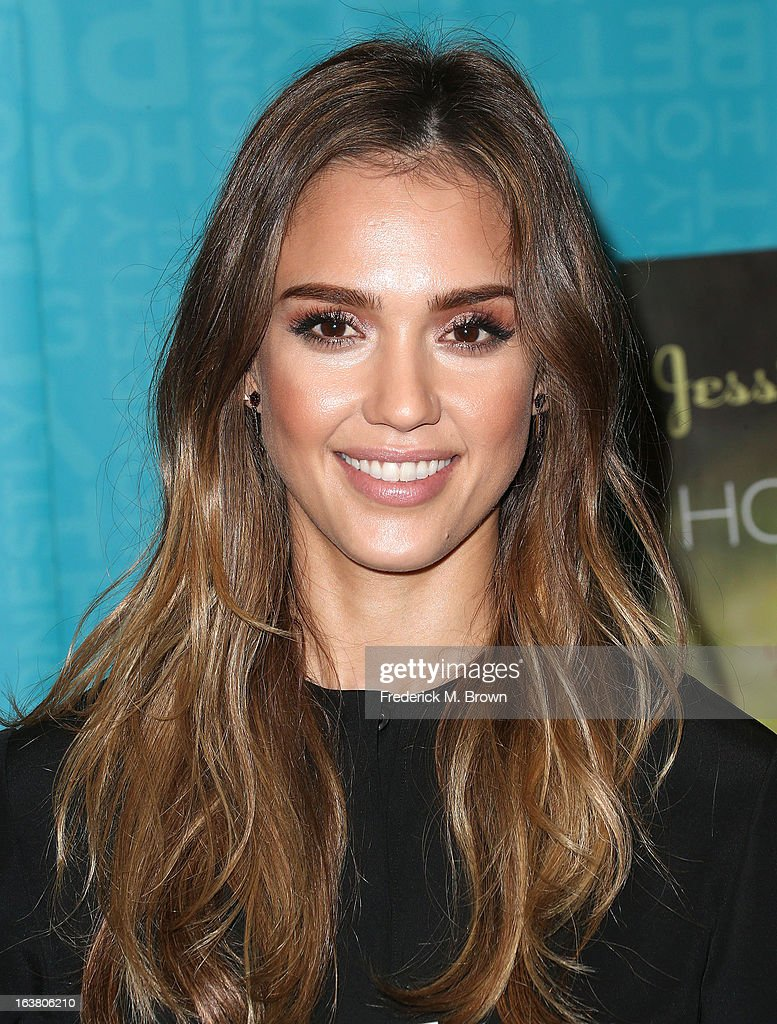 Author/actress Jessica Alba presents her new book during Book Signing For 'The Honest Life' at Vroman's Bookstore on March 16, 2013 in Pasadena, California.