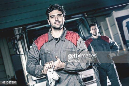 Auto and trucks mechanics
