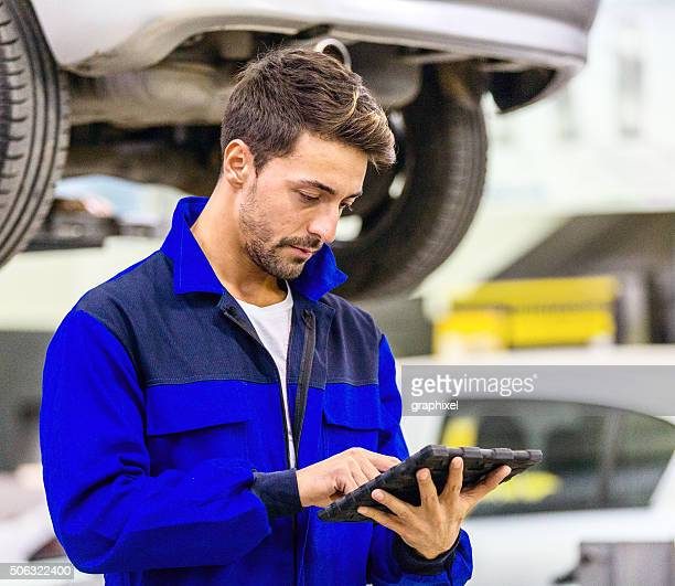 Auto Mechanic Using Digital Tablet