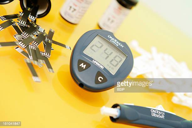 Auto Test Kit Of Glycemia Containing Lancing Device Disposable Lancets Glucometer And Reactive Strips The Glucometer Permits To Permits Measure The...